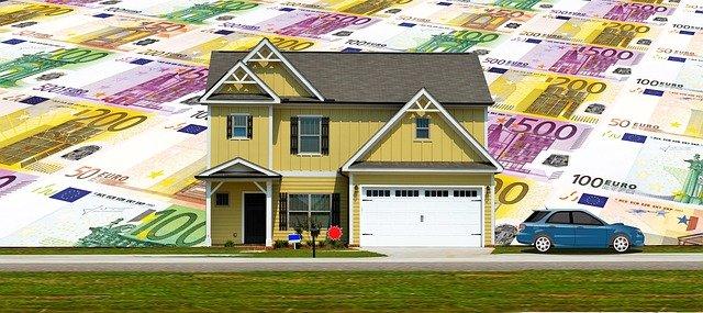 peníze za domem
