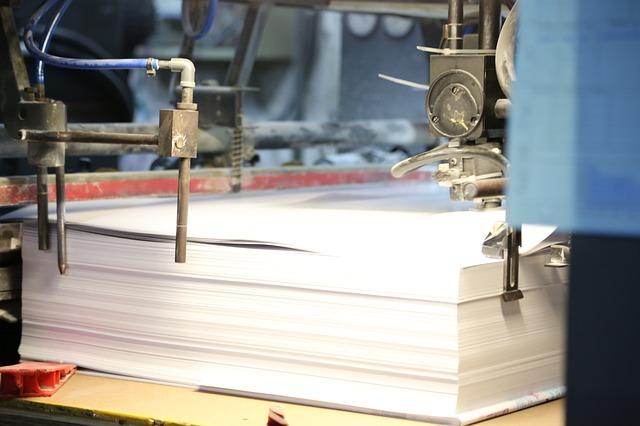 papíry v tiskárně.jpg